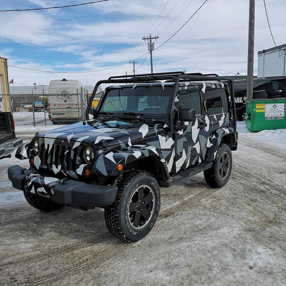 front view of a jeep with vehicle wrap